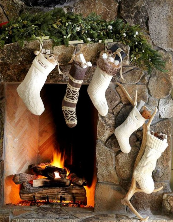 Xmas rustic decor are so homely.