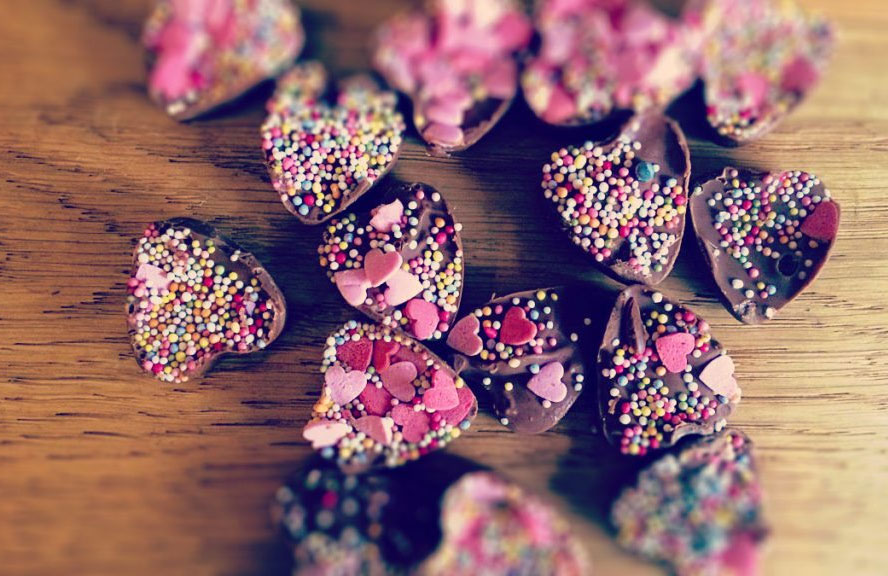 These homemade choc hearts are yummy and cute for Valentine's day.