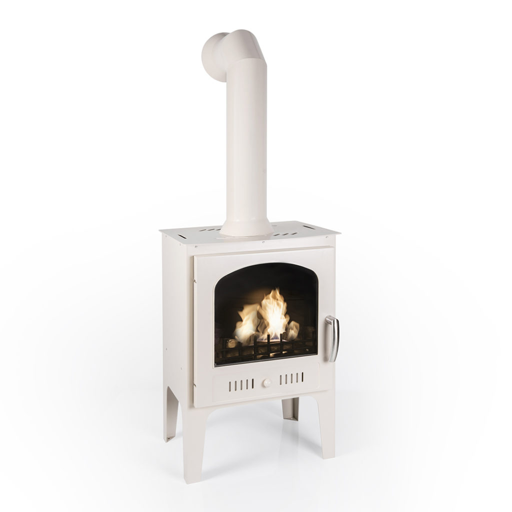 Bioethanol stove with a pipe